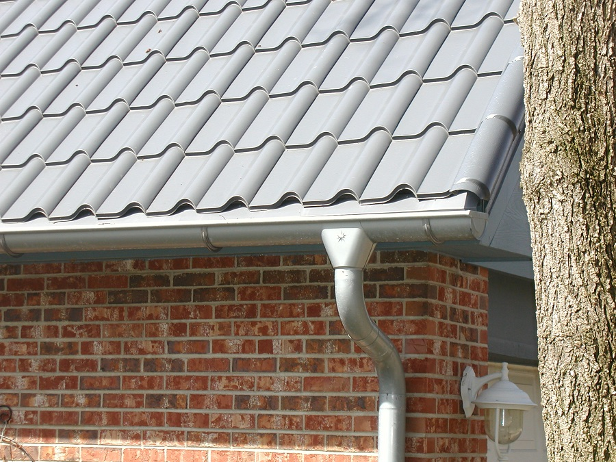 RHEINZINK gutter system - Blue Grey Gutter and Downspout 1